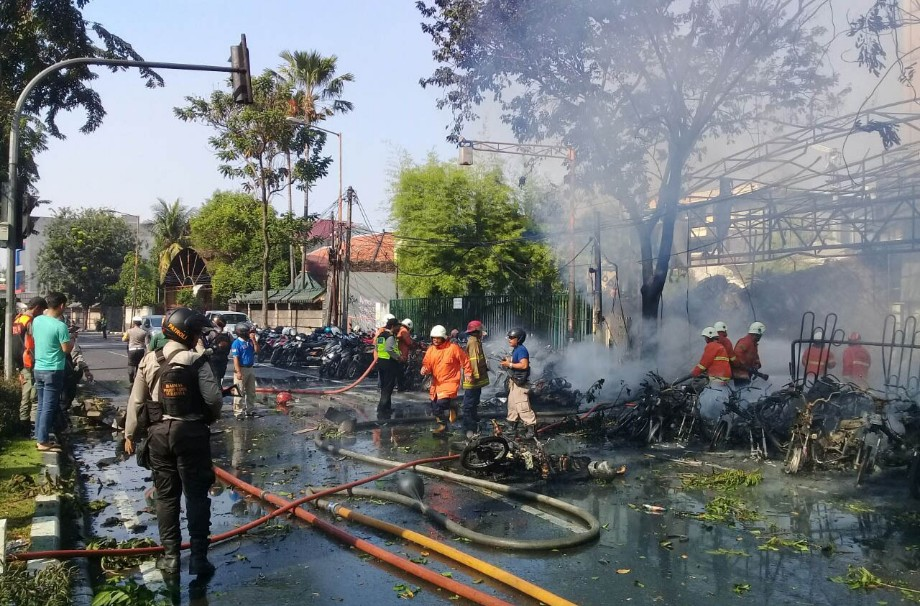 Ledakan bom di Gereja Pantekosta Pusat Surabaya